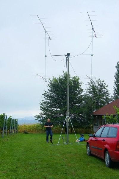 Für den VHF-Kontest am 5.9./6.9.2015 hat Werner den Penumatik-Mast mit dem EME- Az/El-Rotor aufgebaut. Ein paar Tage später wird EME-gefunkt!
